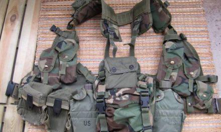 Badlands Fieldcraft: Junk on the Bunk: Buttpack contents
